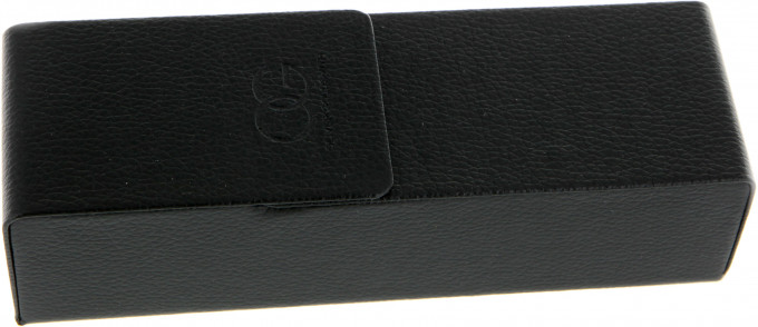 Oliver Goldsmith Flip Case